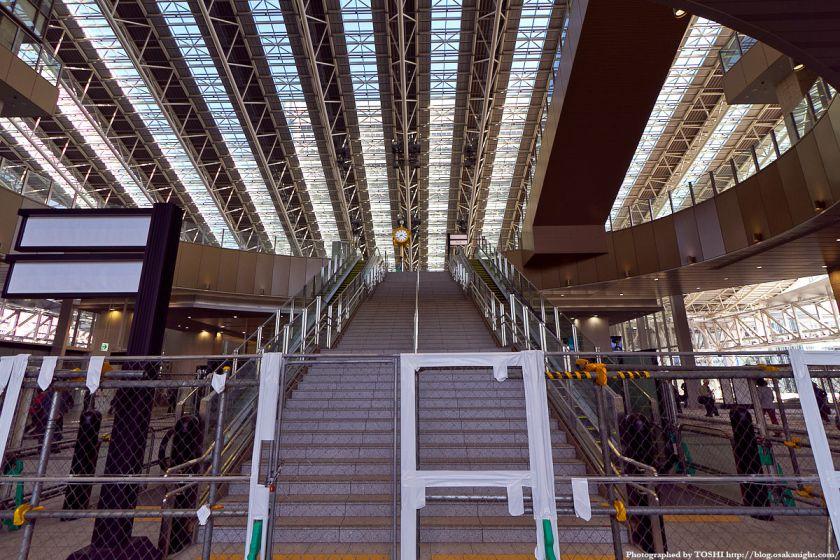 JR大阪駅 時空の広場への階段