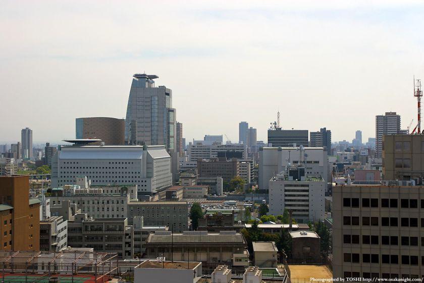 天満橋から見た大阪府庁周辺