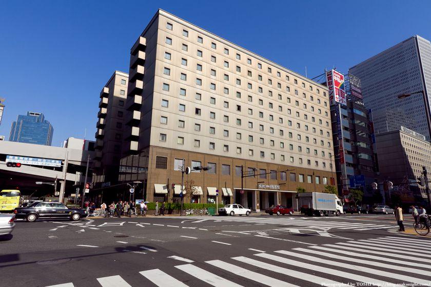 梅田東西道路 新阪急ホテル
