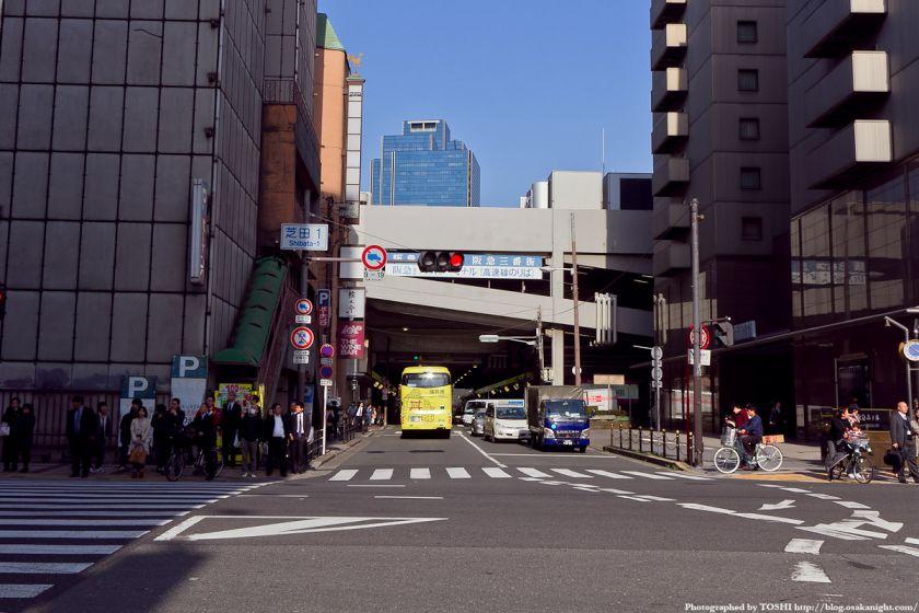 梅田東西道路 芝田1交差点
