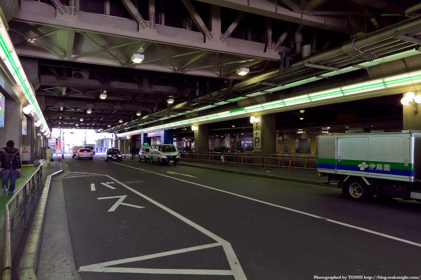 梅田東西道路 阪急線の高架下
