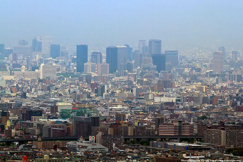 水呑地蔵から見た大阪の高層ビル群 03(OBP)