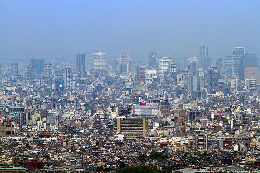 水呑地蔵から見た大阪の高層ビル群 04(本町)