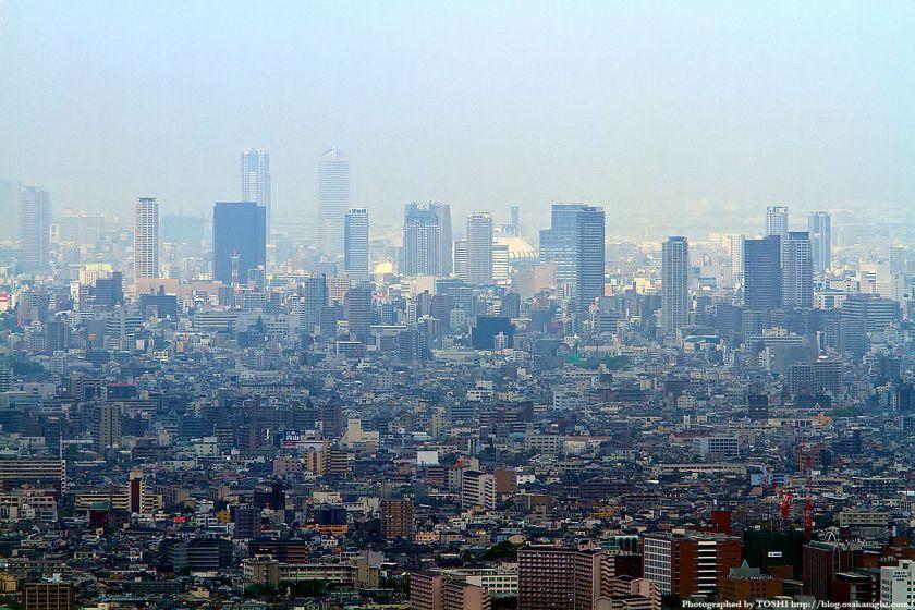 水呑地蔵から見た大阪の高層ビル群 05(難波〜上本町)