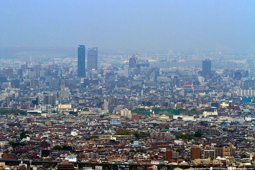 水呑地蔵から見た大阪の高層ビル群 06(天王寺・阿倍野)