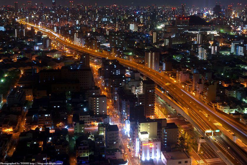 真夜中の大阪(阪神高速)