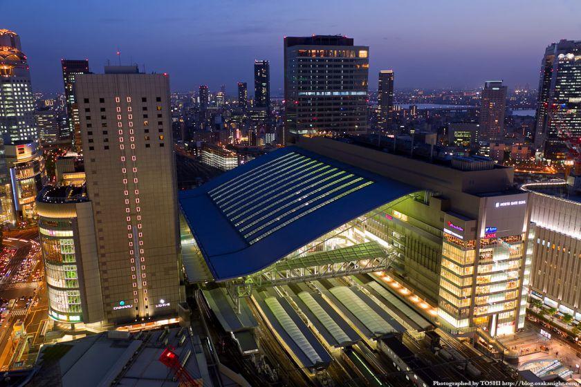 阪急グランドビルから見た大阪ステーションシティ 夕景