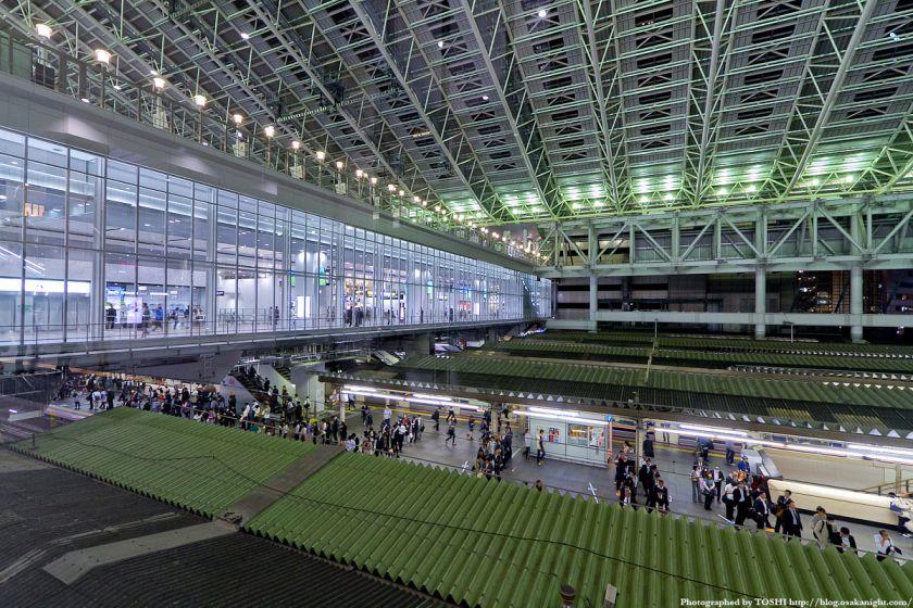 大阪ステーションシティ 橋上駅舎 夜景 01