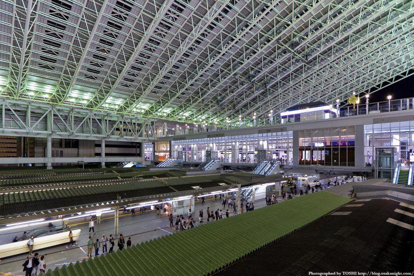 大阪ステーションシティ 橋上駅舎 夜景 02