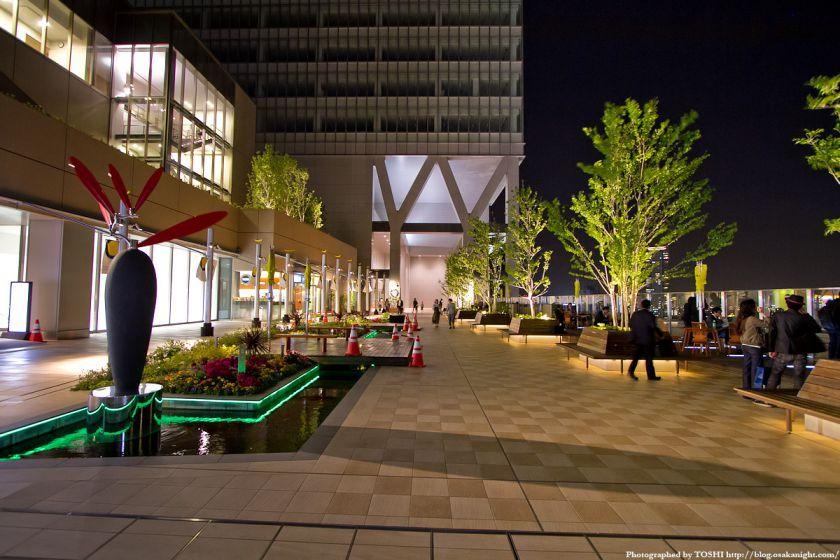大阪ステーションシティ 風の広場 夜景