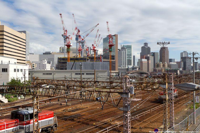 中津陸橋から見たグランフロント大阪 2011年6月