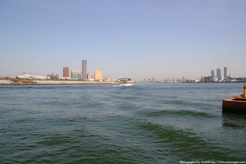 天保山渡船から大阪都心方面