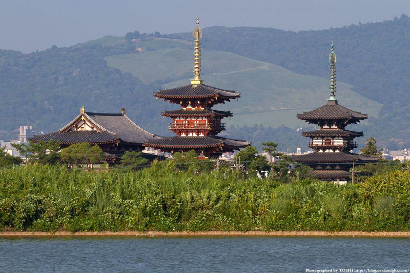 奈良 薬師寺と大池 02