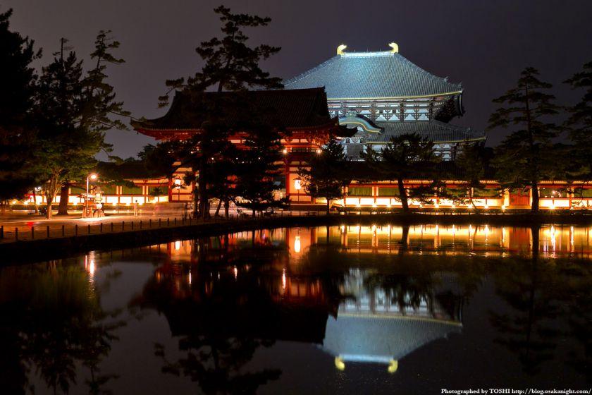 東大寺 中門と大仏殿 ライトアップ夜景