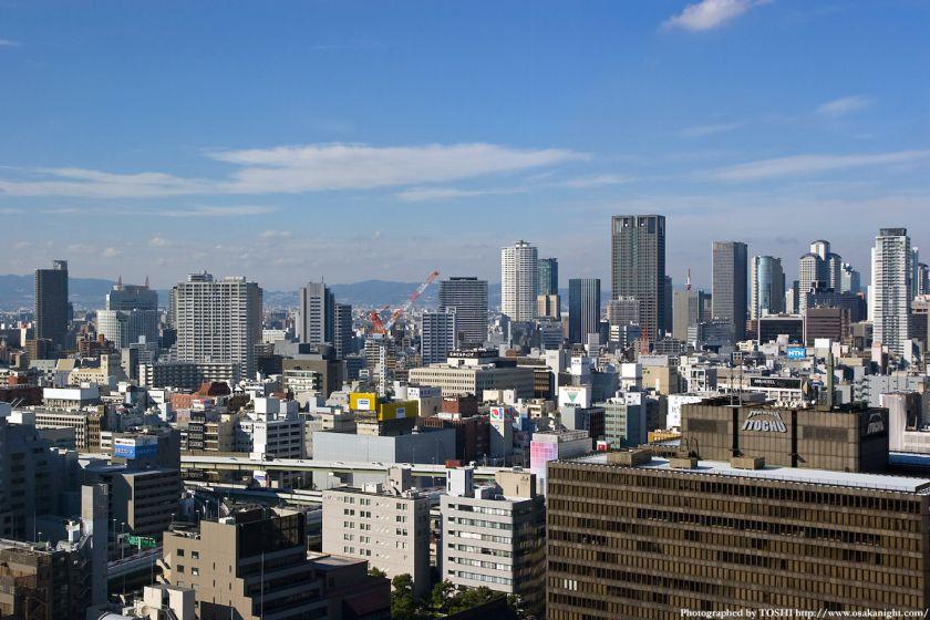 エプソン大阪ビルから見た中之島