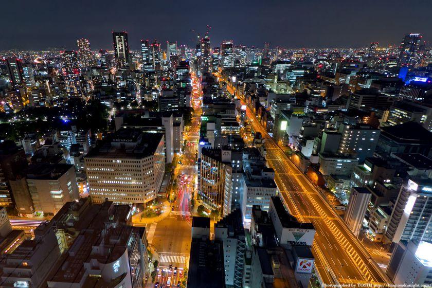 阪神高速 1号環状線と梅田方面の夜景