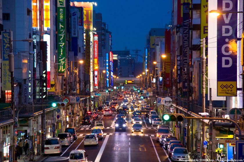 日本橋電気街(堺筋)南側2