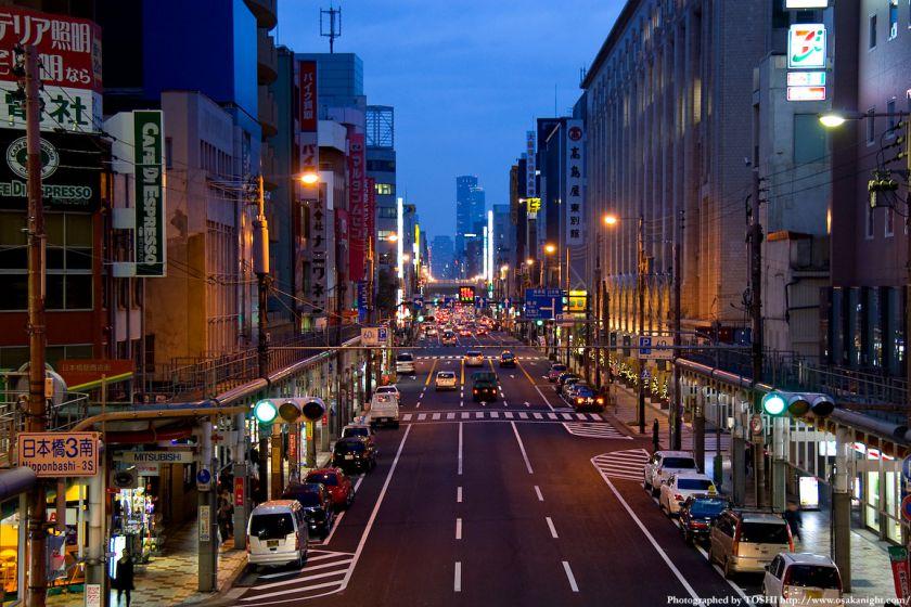 日本橋電気街(堺筋)北側