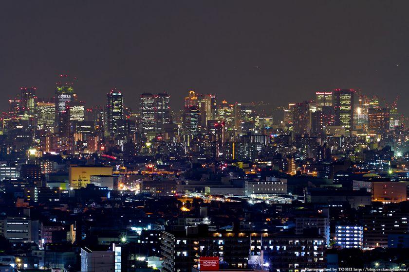 大阪の高層ビル群 夜景 2011 01