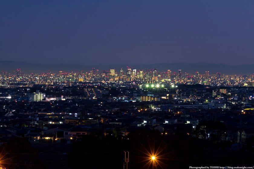 箕面スカイアリーナから見た大阪の高層ビル群 夜景 1