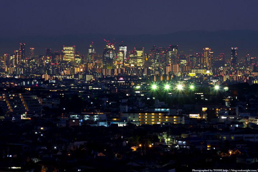 箕面スカイアリーナから見た大阪の高層ビル群 夜景 2