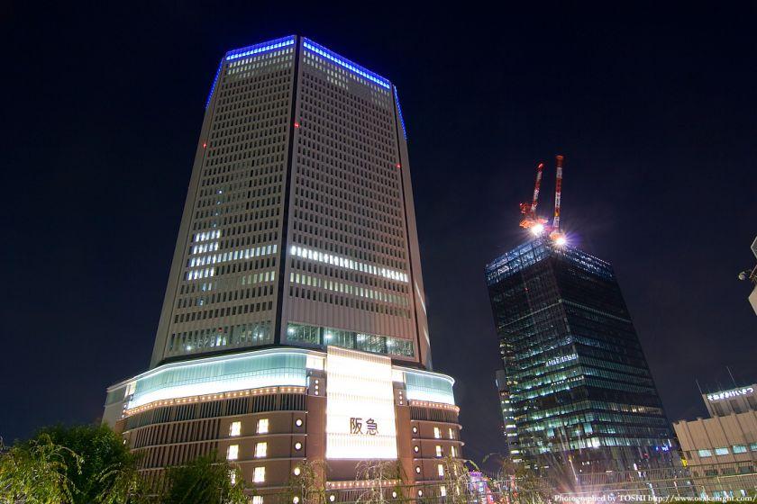梅田阪急ビル ライトアップ試験点灯1