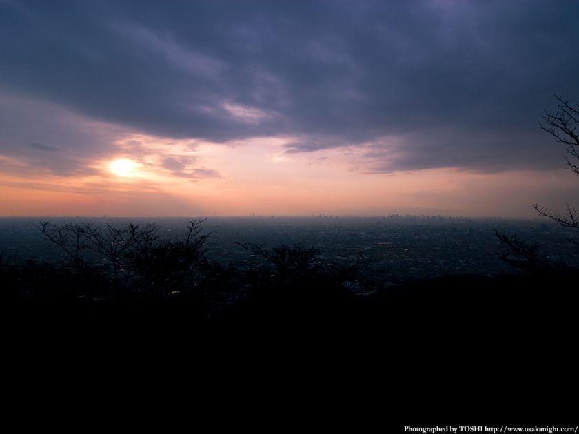 水呑地蔵尊から大阪方面の夕景