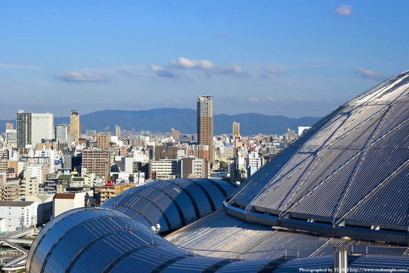 大阪市交通局庁舎から心斎橋方面