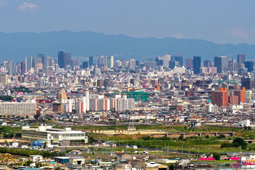 八尾市楽音寺付近から梅田方面 2012年6月