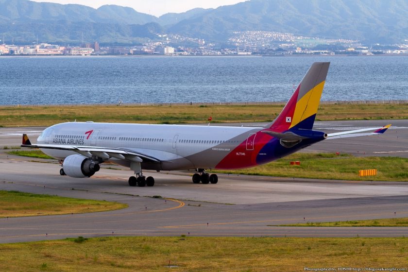 アシアナ航空 at 関西国際空港 2012年9月
