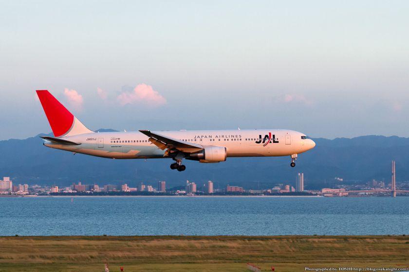 日本航空 at 関西国際空港 2012年9月