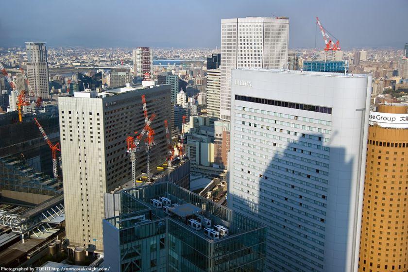 ブリーゼタワーから大阪駅周辺を見下ろす