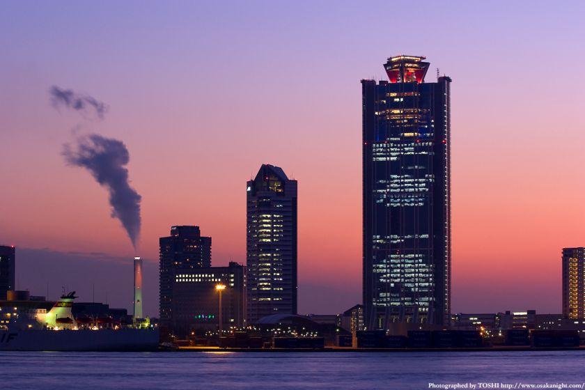 南港コスモスクエアの高層ビル群 夕景