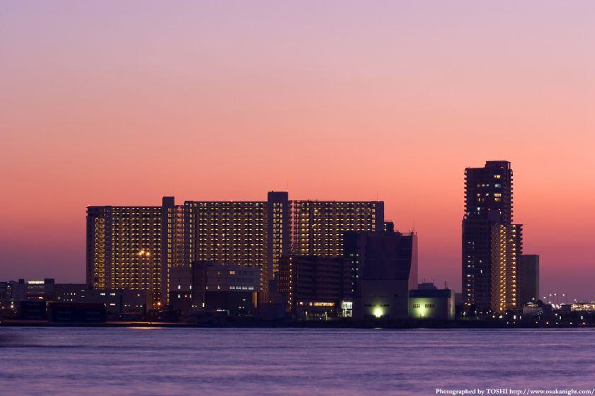 南港コスモスクエア高層住宅群 夕景