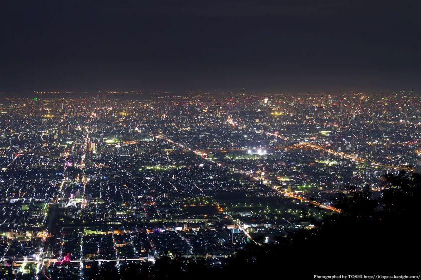 生駒山 なるかわ園地 ぼくらの広場 夜景 03
