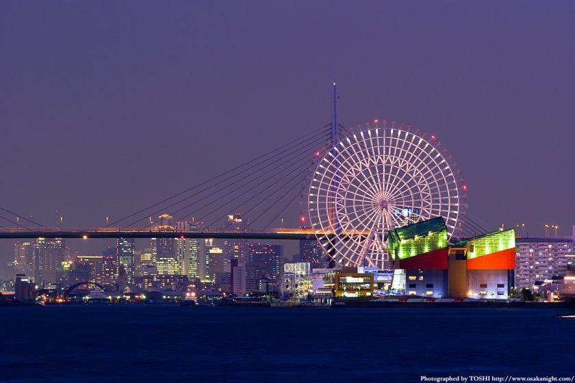 天保山大橋と梅田の高層ビル群