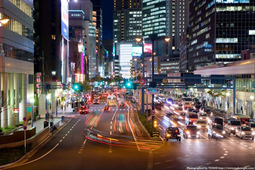 梅田新道歩道橋から国道2号線