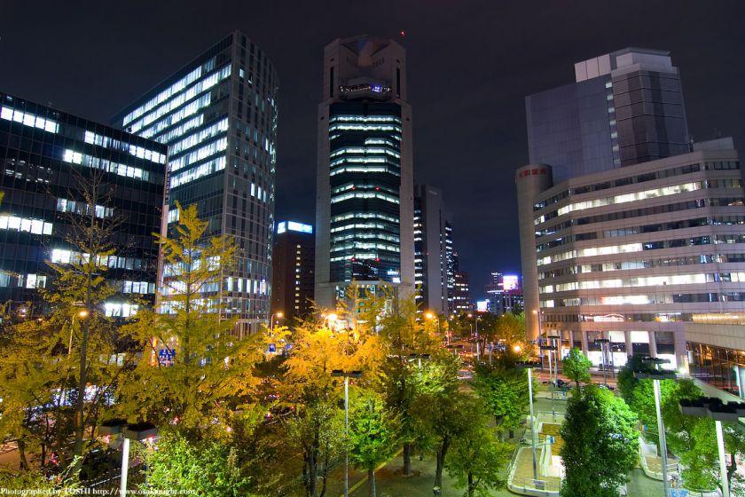 梅田新道交差点の夜景