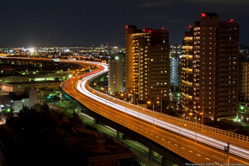 泉大津PAから見る阪神高速湾岸線の夜景 01