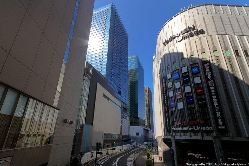 グランフロント大阪 ビルの谷間 2012年10月