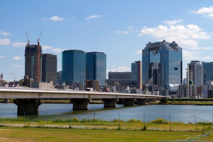 淀川河川公園から見たグランフロント大阪 2012年10月 02