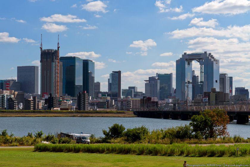 淀川河川公園から見たグランフロント大阪 2012年10月 03