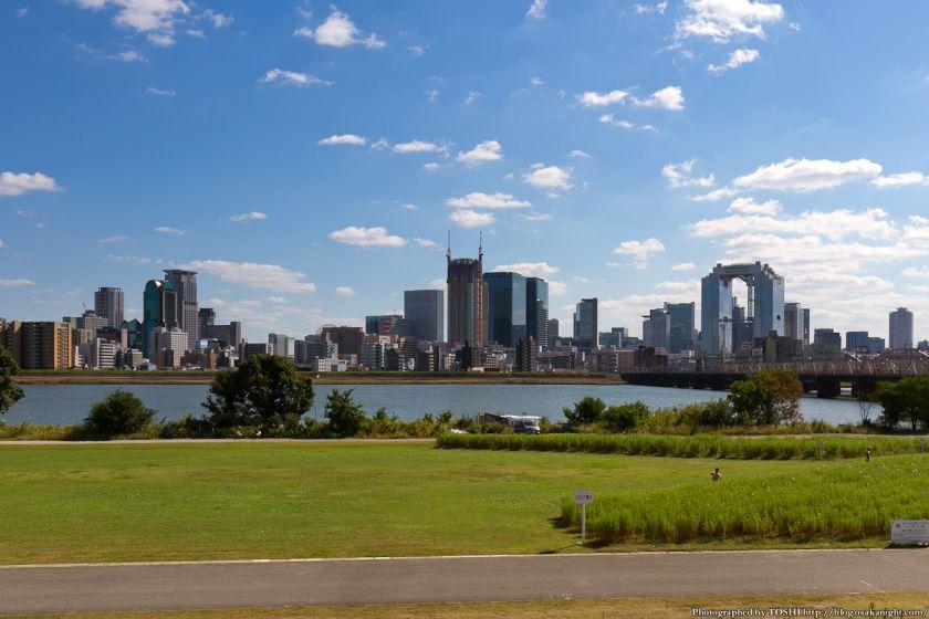 淀川河川公園から見たグランフロント大阪 2012年10月 04