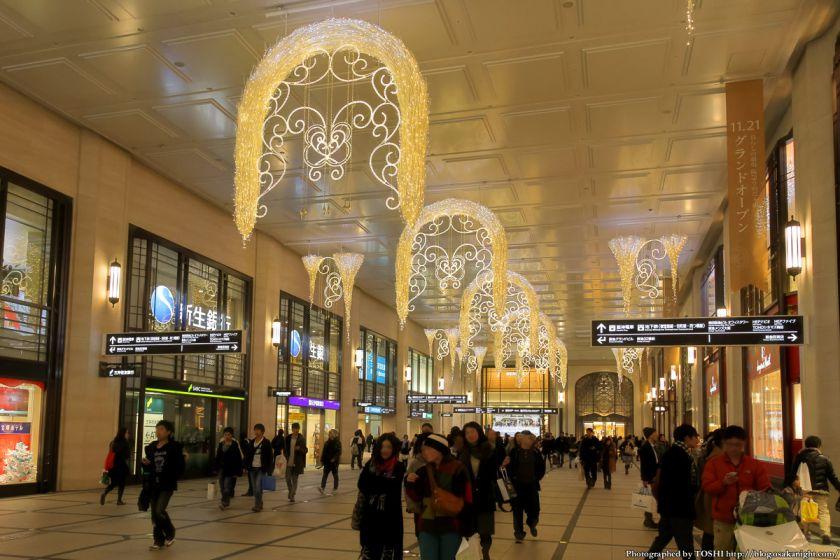 阪急梅田 南北コンコース イルミネーション 2012 03