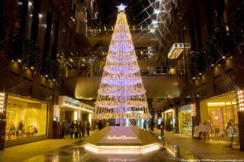 茶屋町アプローズのクリスマスツリー03