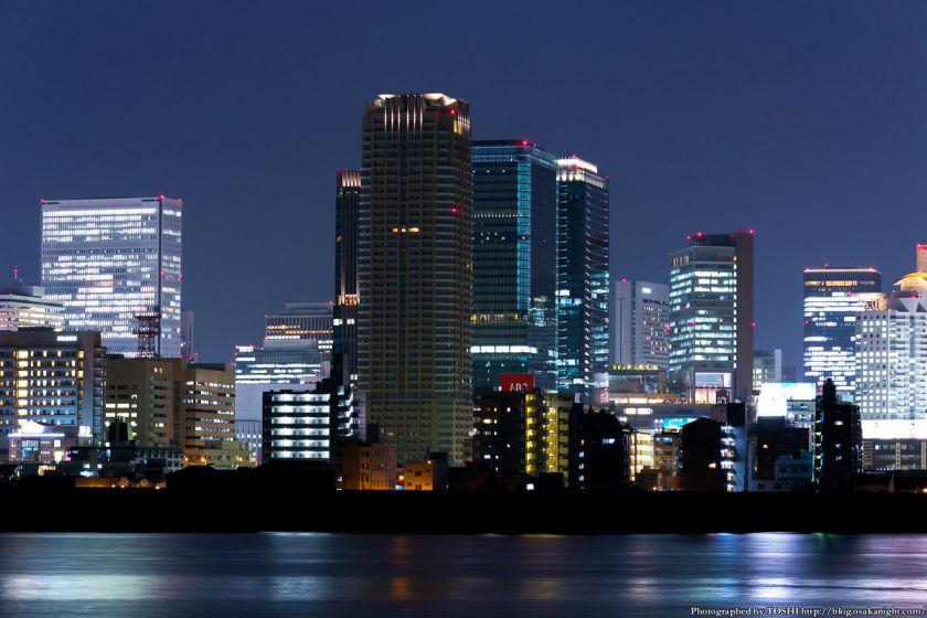 淀川河川公園の夜景 2013 04 (グランフロント大阪)