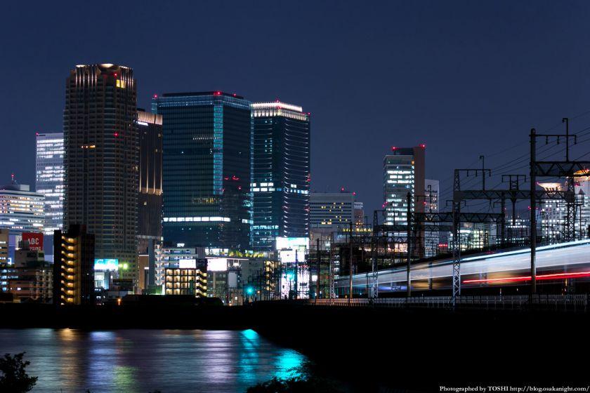 淀川河川公園の夜景 2013 05 (グランフロント大阪)