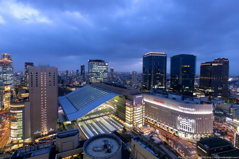阪急グランドビルから見るJR大阪駅周辺 夕景