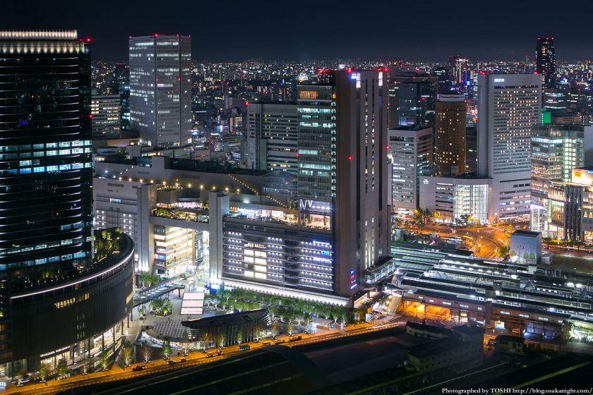梅田スカイビルから見るJR大阪駅周辺 夜景