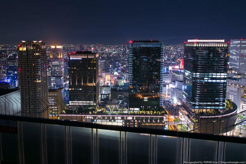梅田スカイビルから見るグランフロント大阪 夜景